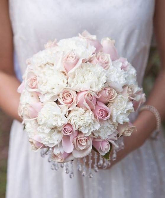 Erre a virágra sokan egyből nemet mondanak az esküvői csokrokban