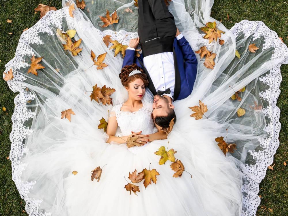 Apró trükkök, amikkel az őszi esküvőket felejthetetlenné tehetitek